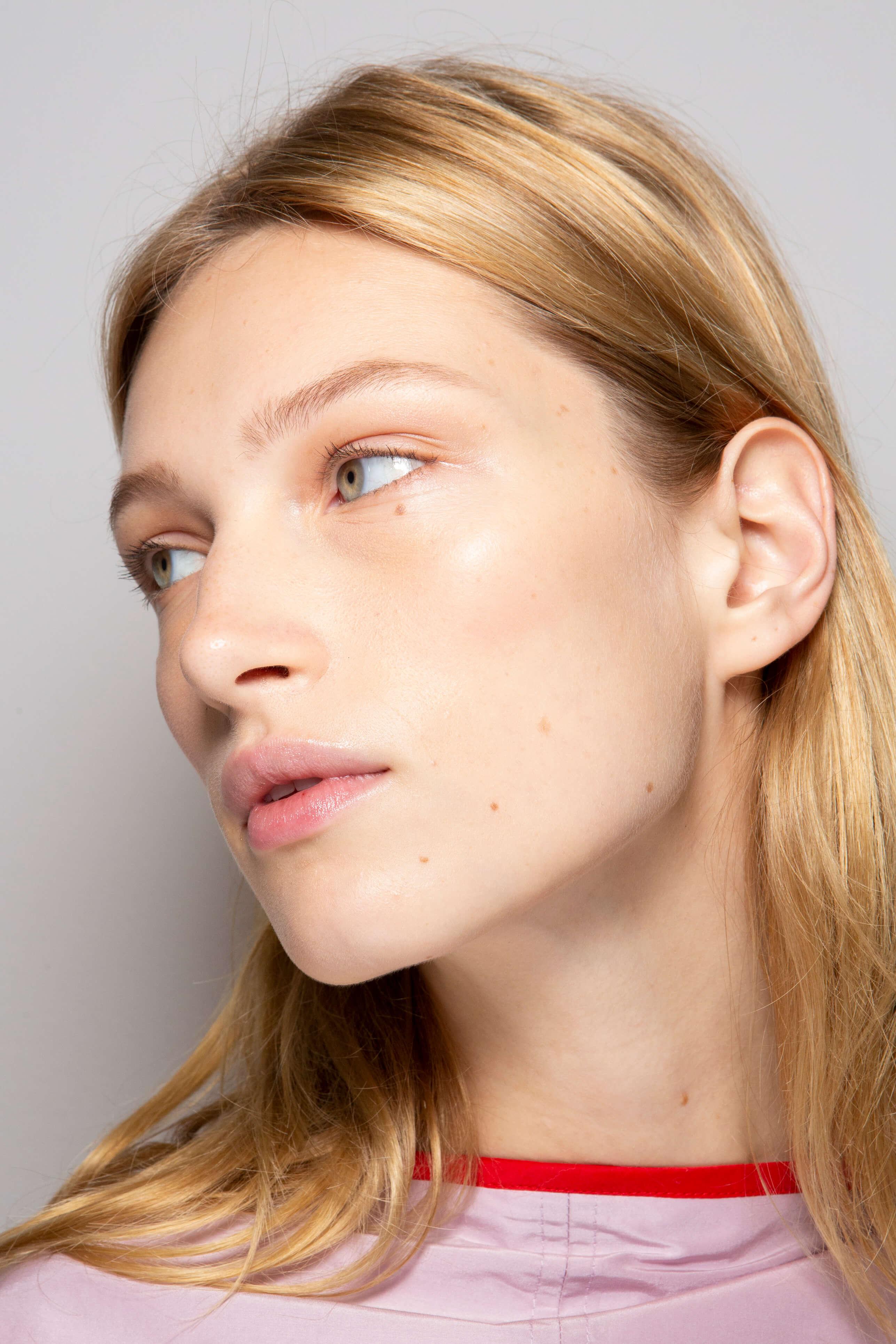 jak używać toników do twarzy